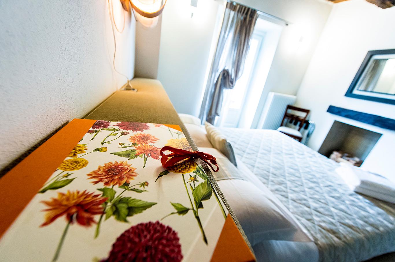 ausonne-stanza-letto-matrimoniale